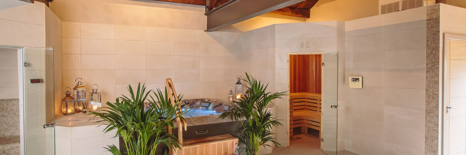 Jacuzzi, Sauna & Steam Room Huddersfield